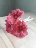 fleurs-laine-feutrée-roses-rouges-x3