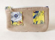 pochette-banane-feutrée-art-bleu-jaune-bouton-noir-pois-blancs-petite-3