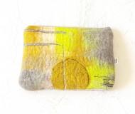 pochette-banane-feutrée-jaune-gris-1