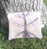 pochette-laine-feutrée-arbre-de-vie-droit