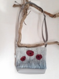 sac-laine-feutrée-gris-motifs-coquelicots