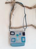 sac-laine-feutrée-rectangles-bleus-gauche