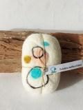 savon-de-laine-Titlaine-abstrait-ronds-pastels-