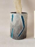 vase-de-laine-grand-gris-griffé-turquoise-2