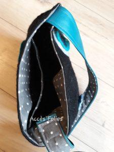 sac laine feutrée simili coton noir fleurs bleues